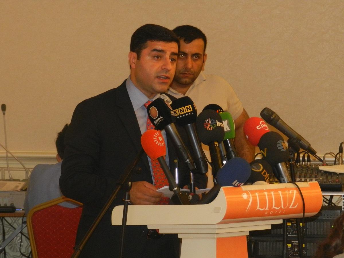 kürdistan birlik ve çözüm konferansı 08