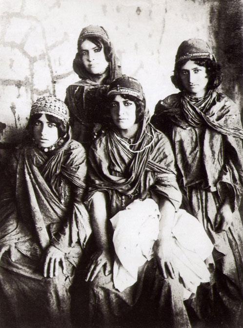 İran Kürdistanı'nda Kürt kadınları, 1840