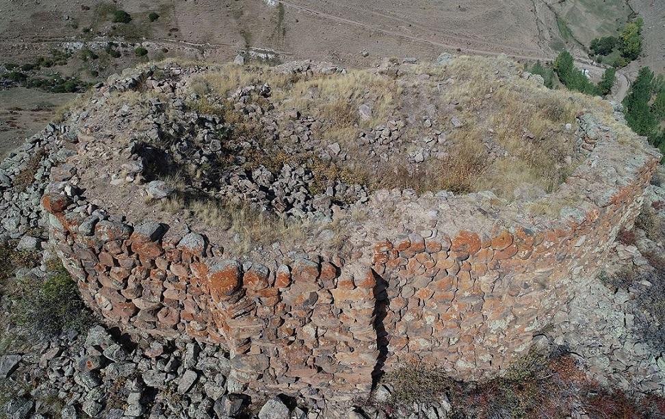 Erzurum'da 3000 Yıl Önce İnşâ Edilmiş Kale Bulundu