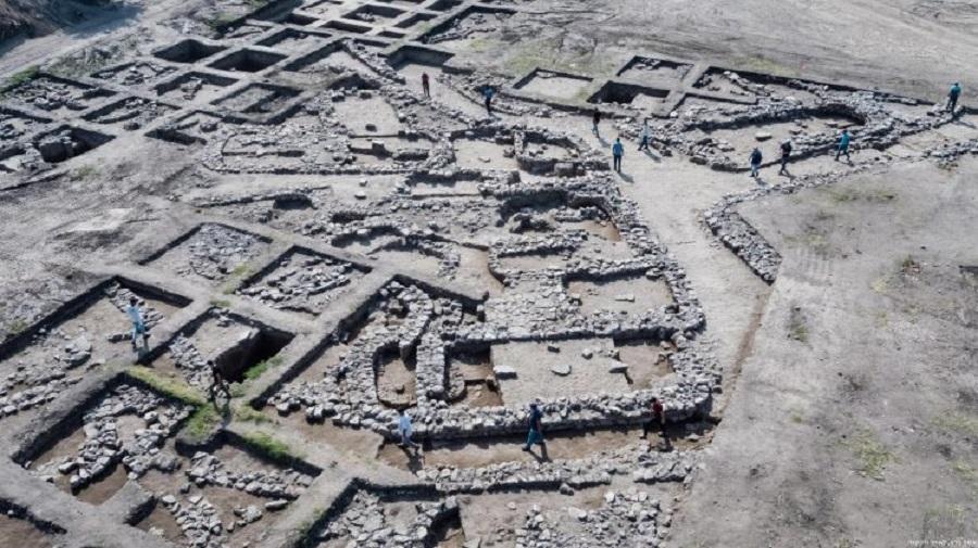 İsrail'de Yol İnşaatı Sırasında 5000 Yıllık Antik Kent Ortaya Çıktı