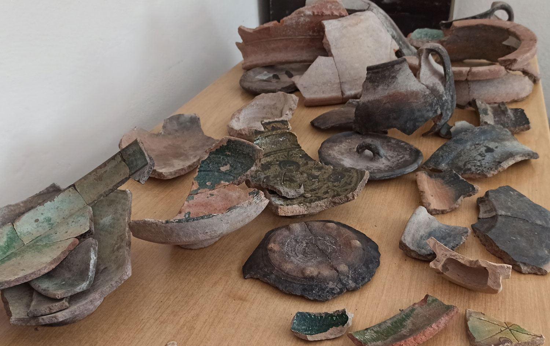 Bitlis'te Kurê Araz Antik Kürt Kültürüne Ait 5200 Yıllık Seramikler Bulundu