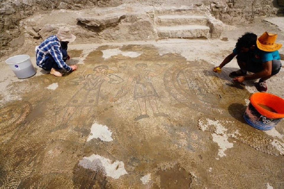 Mardin'de 386 Yılında Yapılmış Mozaikli Kilise Bulundu
